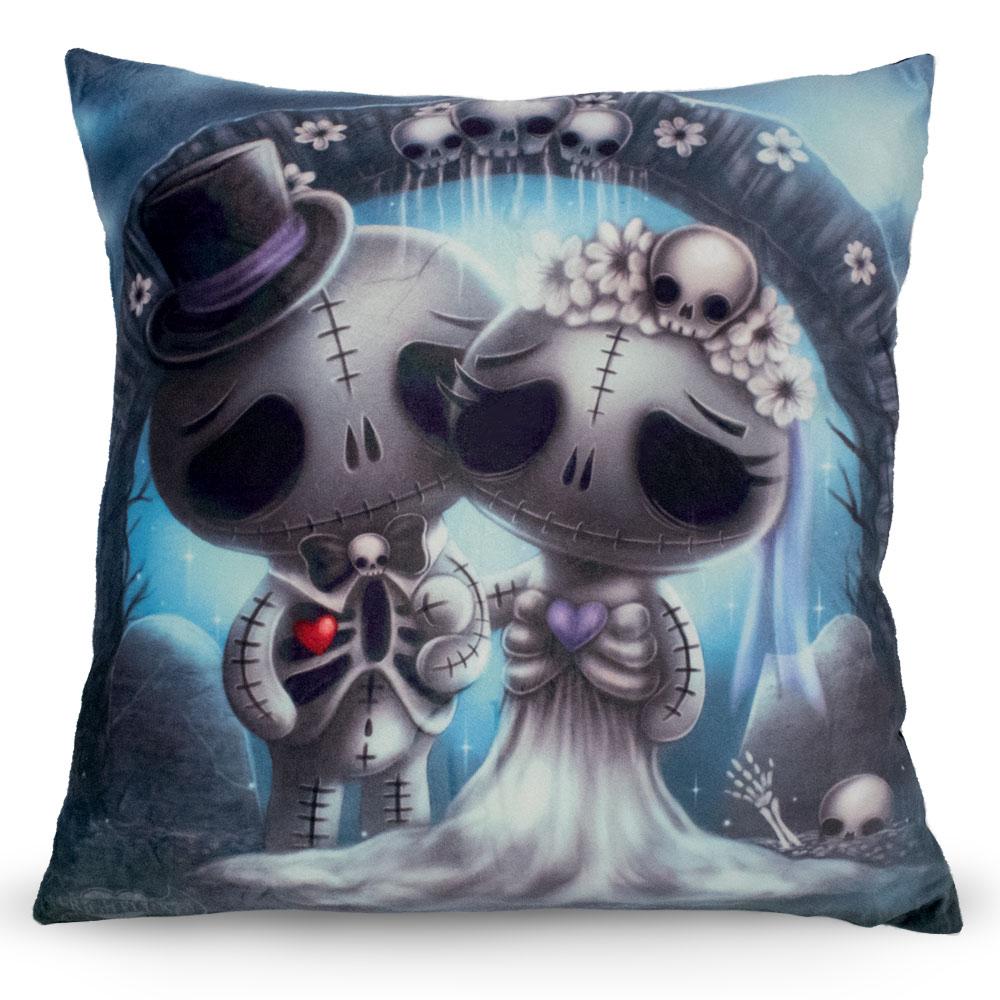 skulletta-skully-cushion